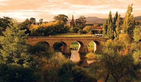 Tasmania Wine Tour